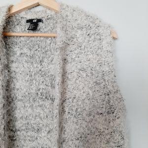 H&M Long Eyelash Knit Sweater Cardigan Vest White Gray S